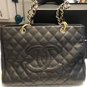 Chanel Pre- Owned 2013 Diamond quilted tote bag